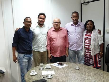 Vereadores de Conceição da Feira pedem fábrica de polpa de frutas e a cobertura da Feira Livre