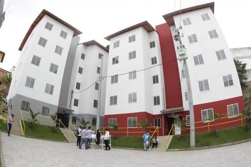 Estado passa as chaves de unidades habitacionais para 54 famílias no Costa Azul.
