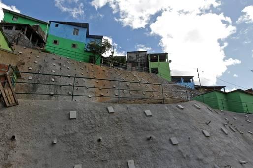 Entrega de contenção de encostas leva tranquilidade a centenas de famílias em São Marcos.