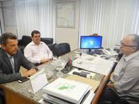 Guanambi reivindica 2 tratores e �gua para a zona rural