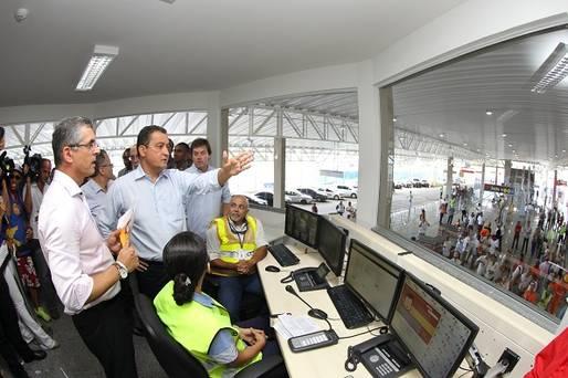 Terminal de Integra��o �nibus-Metr� Piraj� � entregue � popula��o