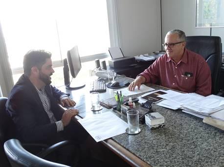 Prefeito de Ubaíra reivindica ao Estado a construção de uma barragem no município