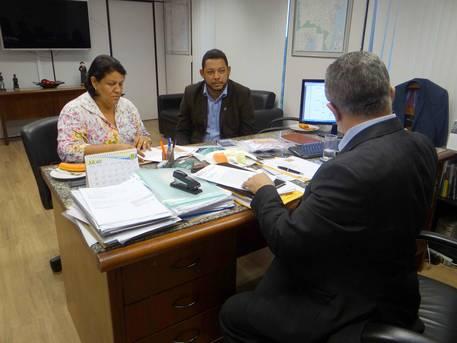 Prefeita de Maragogipe pede apoio do Estado para realizar a Festa de S�o Bartolomeu